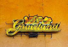 Señal de neón en Memphis Visitor Center, Memphis Tennessee de Graceland Imagen de archivo
