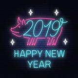 Señal de neón de la Feliz Año Nuevo 2019 con el cerdo Ilustración del vector Por nuevo 2019 años diseñe la plantilla para la tarj stock de ilustración