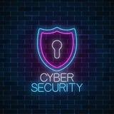 Señal de neón que brilla intensamente de la seguridad cibernética Símbolo de la protección de Internet con el escudo y el ojo de  foto de archivo