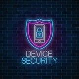 Señal de neón que brilla intensamente segura del dispositivo Símbolo cibernético de la seguridad con el escudo y el dispositivo m imágenes de archivo libres de regalías