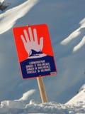 Señal de peligro de la avalancha Fotografía de archivo