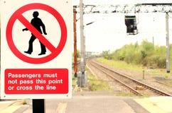 Señal de peligro de la vía del tren Imágenes de archivo libres de regalías