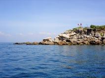 Señal de peligro de las banderas de la isla en el mar de Andaman Imagenes de archivo