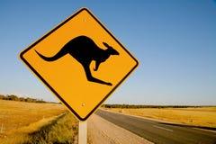 Señal de peligro del canguro Australia Imagenes de archivo