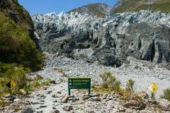 Señal de peligro del glaciar del Fox Fotografía de archivo libre de regalías