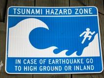 Señal de peligro del tsunami en California Fotos de archivo libres de regalías