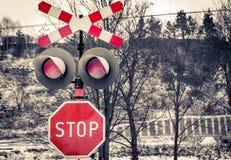 Señal de peligro roja del ferrocarril fotos de archivo libres de regalías