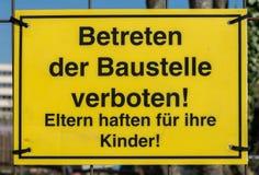 Señal de tráfico alemana de cada vida del día Imagen de archivo libre de regalías