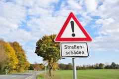 Señal de tráfico de Alemania de los caminos del daño Fotos de archivo libres de regalías