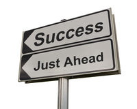 Señal de tráfico del éxito aislada en el fondo blanco. Imagen de archivo