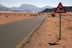 Señal de tráfico del camello imagen de archivo libre de regalías