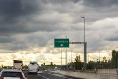 Señal de tráfico en la Venecia fotografía de archivo