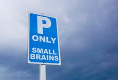 Señal del estacionamiento con certeza categorías reservadas señal que parquean imagen de archivo