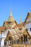 Señal famosa de Bangkok. El palacio magnífico Imagenes de archivo