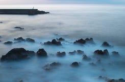Señale con almenara en la puesta del sol, Puerto de la Cruz, Tenerife 2 Fotografía de archivo libre de regalías