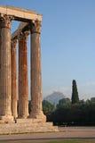Señales de Atenas - templo del Zeus Imágenes de archivo libres de regalías