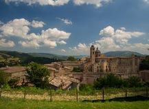Señales de Italia vista panorámica de Urbino, sitio I de la UNESCO Imagenes de archivo