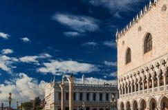 Señales de Mark Square del santo en Venecia Imagen de archivo libre de regalías