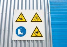 Señales de peligro industriales Fotografía de archivo