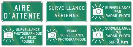 Señales de tráfico de la guía en Quebec - Canadá Fotos de archivo