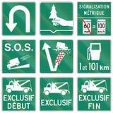 Señales de tráfico de la guía en Quebec - Canadá Imagen de archivo libre de regalías