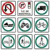 Señales de tráfico reguladoras en Quebec - Canadá Fotos de archivo