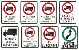 Señales de tráfico reguladoras en Quebec - Canadá Imagenes de archivo