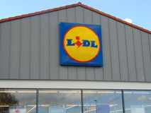Señalización de la tienda de Lidl Fotos de archivo libres de regalías