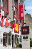 Señalización francesa de la cadena de hoteles del hotel de Ibis Fotografía de archivo
