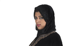 Señora árabe hermosa que desgasta islámico tradicional Imágenes de archivo libres de regalías