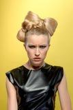 Señora agradable con el peinado perfecto Imagen de archivo