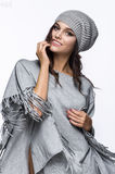 Señora atractiva en ropa de moda Imagen de archivo libre de regalías