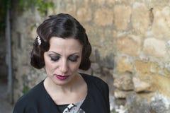 Señora con el pelo en estilo retro Fotografía de archivo