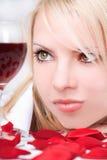 Señora con el vino Fotografía de archivo