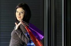 Señora de las compras Foto de archivo libre de regalías