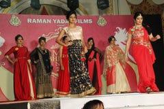 señora Demostración de Bhiwadi NCR Faishon - Raman Yadav Imagen de archivo
