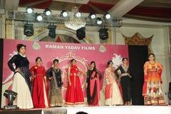 señora Demostración de Bhiwadi NCR Faishon - Raman Yadav Foto de archivo