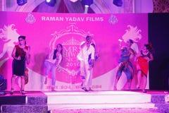 señora Desfile de moda de Bhiwadi NCR - Raman Yadav Films Imagenes de archivo