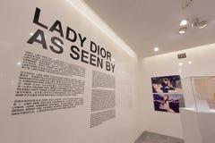 Señora Dior As Seen By Exhibition en Hong Kong Imagen de archivo