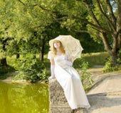 Señora en blanco Imagen de archivo libre de regalías