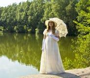 Señora en blanco Foto de archivo libre de regalías