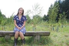 Señora en el bosque Imagenes de archivo
