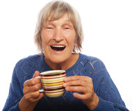 Señora mayor feliz con café Fotos de archivo