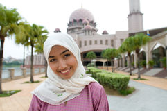 Señora musulmán malaya asiática hermosa y dulce imagenes de archivo