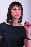Señora que sostiene un collar Fotos de archivo
