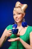 Señora rubia linda feliz Foto de archivo libre de regalías