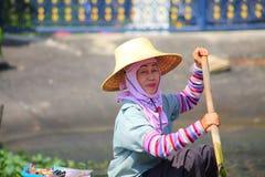 Señora tailandesa del río Imágenes de archivo libres de regalías