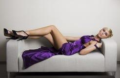Señora violeta Fotografía de archivo