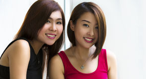 Señoras asiáticas jovenes Fotos de archivo