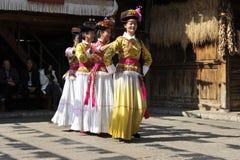 Señoras de Mosuo, China foto de archivo